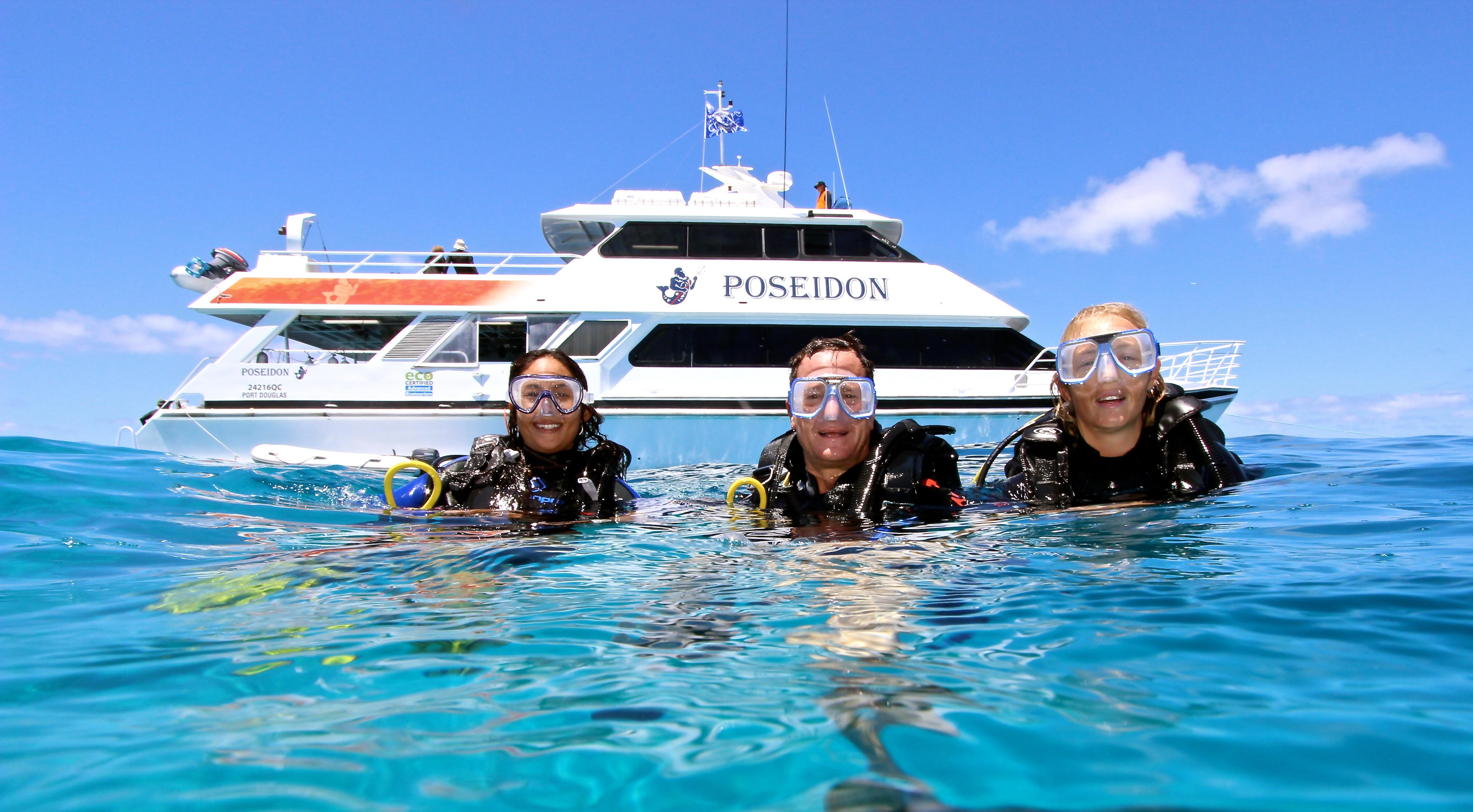 Port Douglas scuba diving trips best outer Great Barrier ...