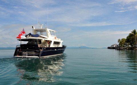 Blue Martinit departing Port Douglas
